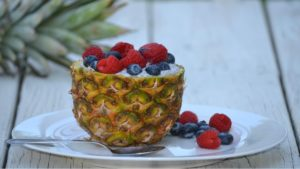 Czy ananas odchudza i leczy z raka?